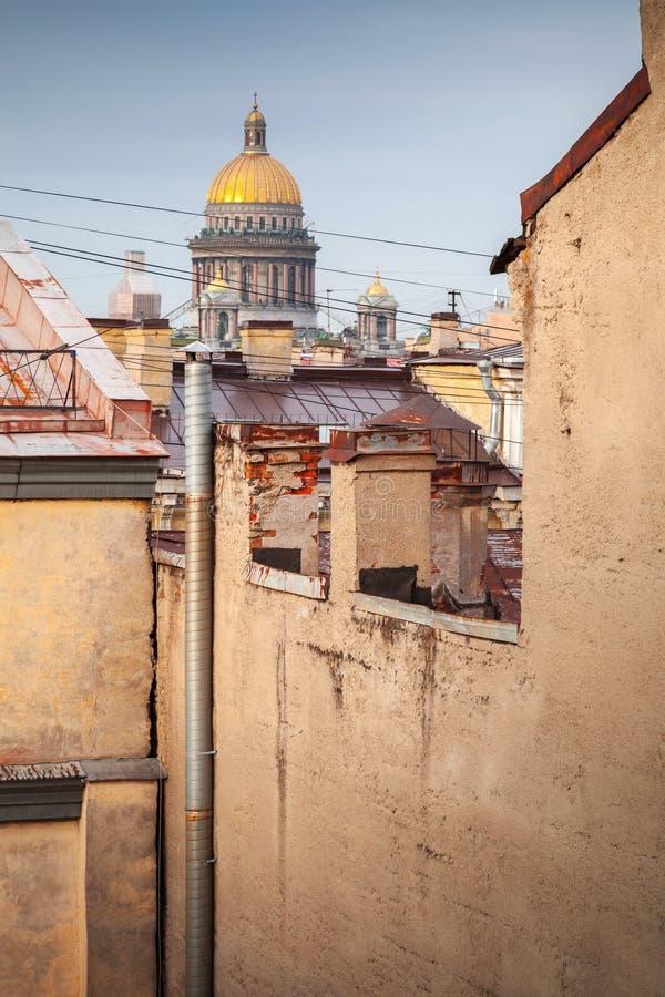 St Isaac kathedraalkoepel, heilige-Petersburg, Rusland royalty-vrije stock foto's
