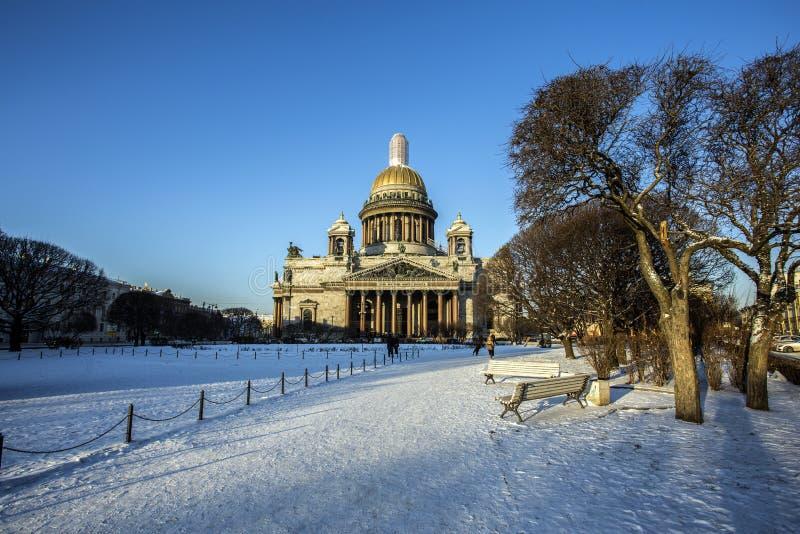 St Isaac ` s Kathedraal in heilige-Petersburg stock fotografie