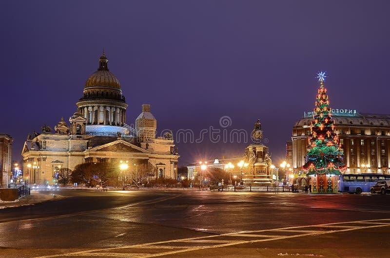 St Isaacs kvadrerar i Petersburg, Ryssland. arkivbilder