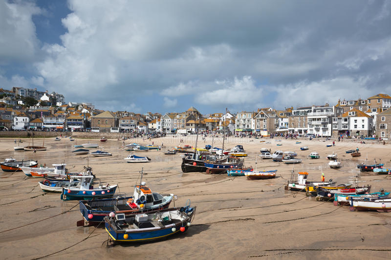 St Ives haven at low tide stock afbeelding
