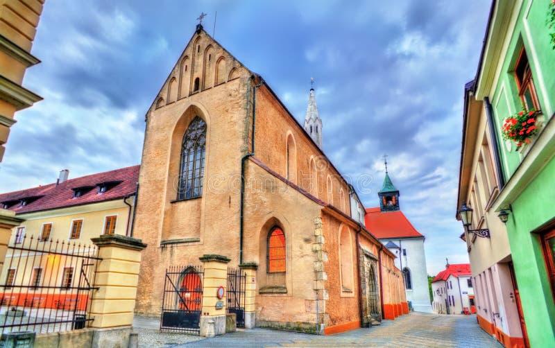 St John Baptist Church dans Jindrichuv Hradec, République Tchèque image stock