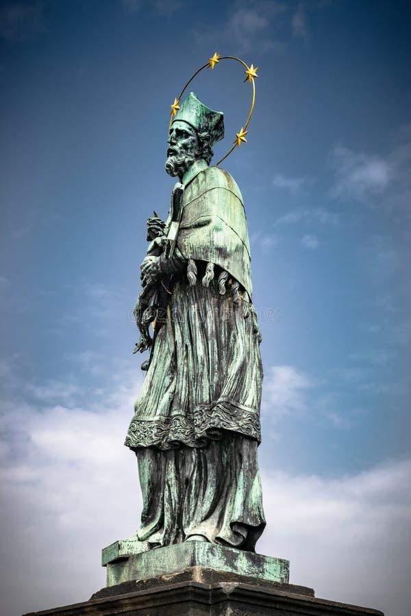 St John Of Nepomuk Statue à Prague photos stock