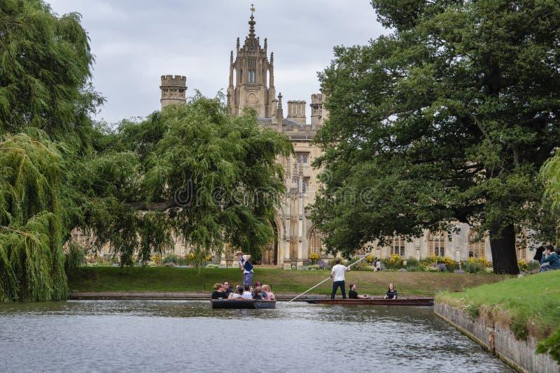 St John's College widziane z rzeki Cam obraz royalty free