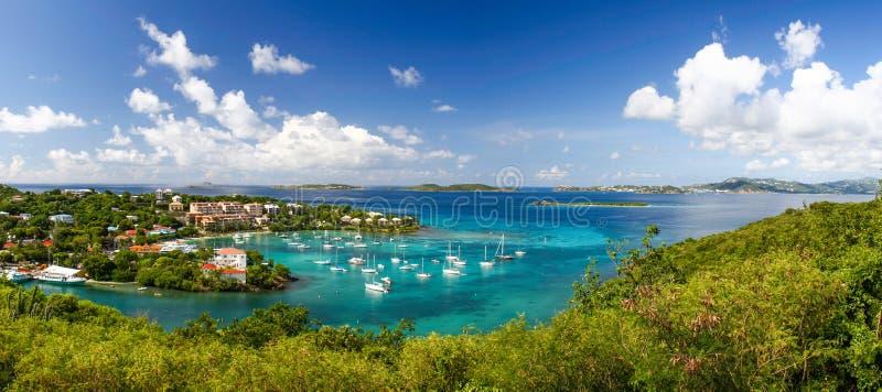 St John, USVI - Mooie Cruz Bay Panoramic royalty-vrije stock foto
