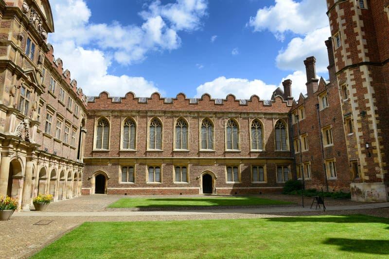 St Johns Universiteits Derde Hof en Oude Bibliotheek royalty-vrije stock afbeelding