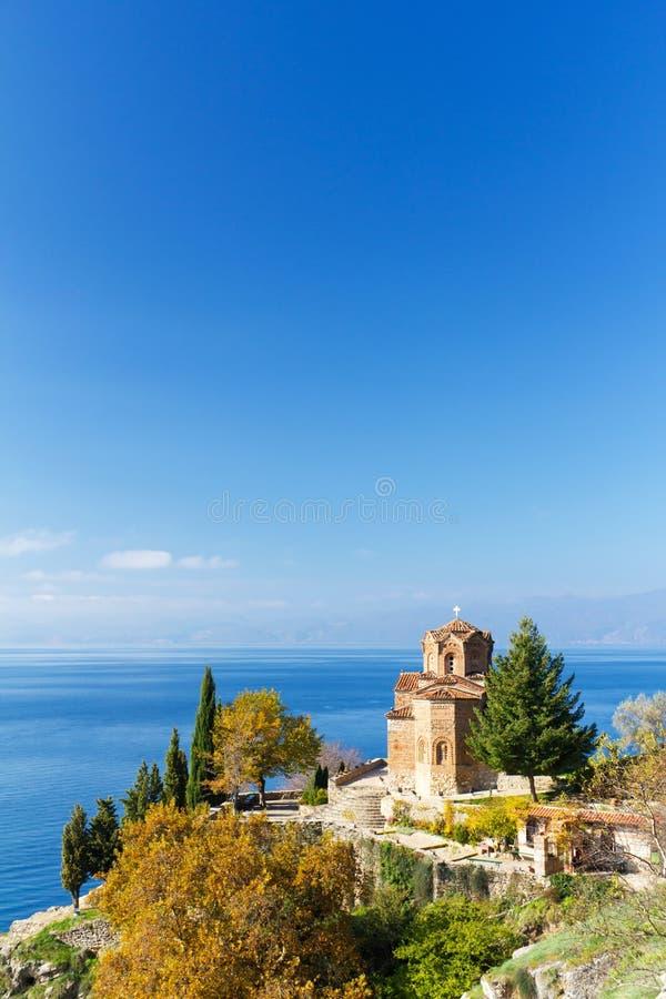 St. Jovan Kerk op Meer Ohrid, Macedonië stock afbeeldingen
