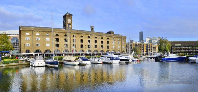 St Katharine dok in Londen royalty-vrije stock afbeeldingen