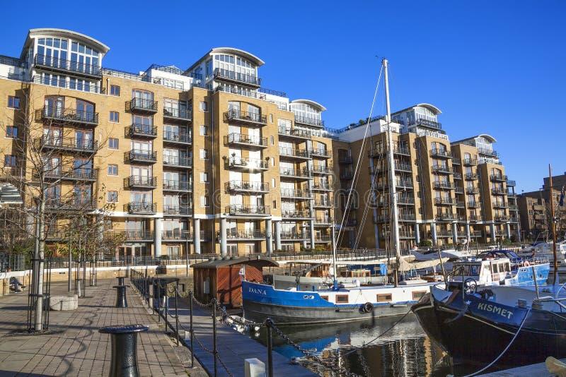 St Katherine Dock stock afbeeldingen
