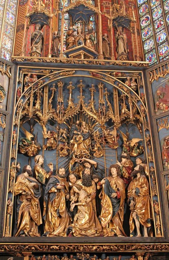 st krakow mary s базилики нутряной стоковое изображение rf