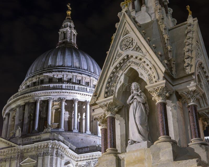 St Lawrence e Mary Magdalene Drinking Fountain a Londra fotografia stock