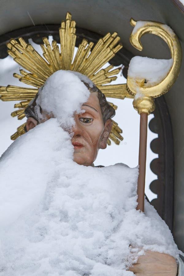 St Leonhard en invierno imagenes de archivo