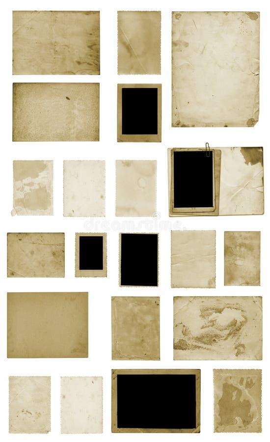 St?ll in av smutsiga fotovykort f?r gammal tappning p? isolerad bakgrund arkivfoton