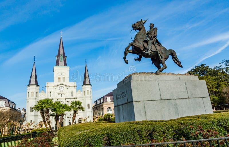 St Louis Cathedral y la estatua de Andrew Jackson en Jackson Square, New Orleans, Luisiana imágenes de archivo libres de regalías