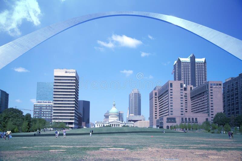 ST Louis Gateway Arch MES los E.E.U.U. de la ciudad imagen de archivo libre de regalías