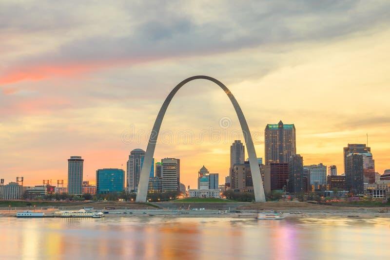 St Louis im Stadtzentrum gelegen stockfotos