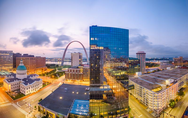 St. Louis, Missouri, USA downtown cityscape with the arch and courthouse. At dusk royalty free stock photo