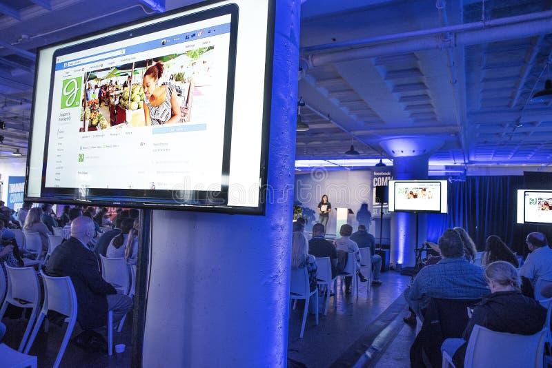 St. Louis, Missouri, vereinigte Zustände 27. März 2018 Sprecher und Kleinunternehmer an Facebook-Gemeinschaft laden Ereignisbilds lizenzfreie stockfotografie