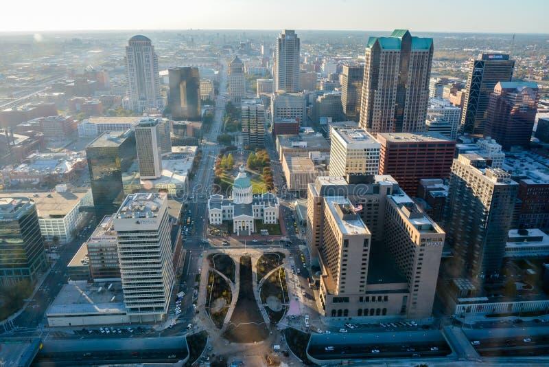 St Louis - sikt från nyckelbågen arkivbild