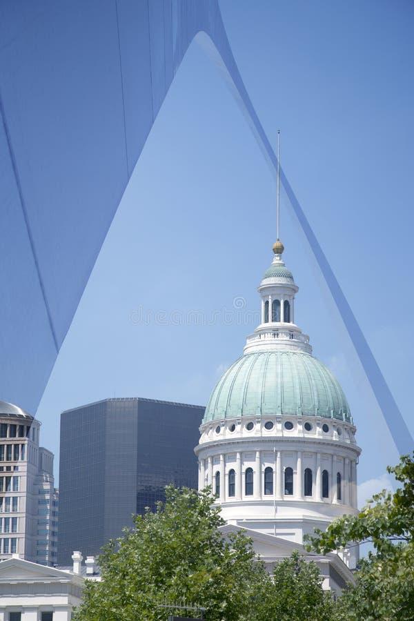 ST Louris Boog en gebouwen in MO van de binnenstad de V.S. stock foto's