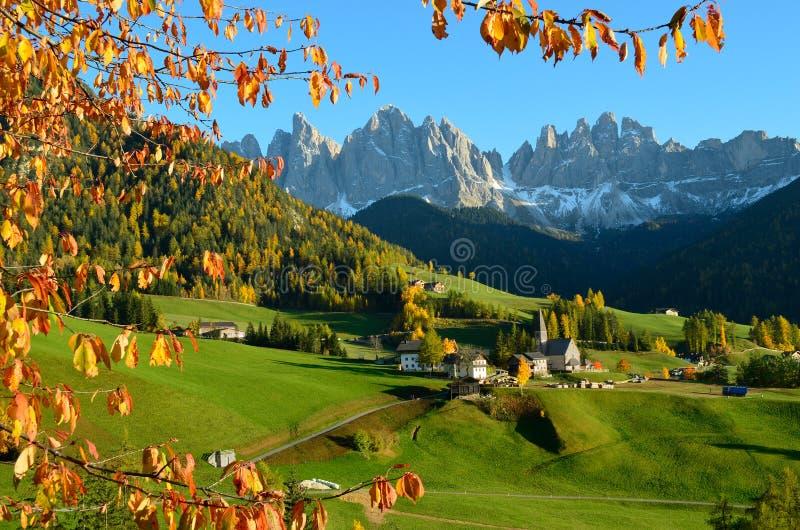 St. Magdalena in den Dolomit lizenzfreie stockfotos