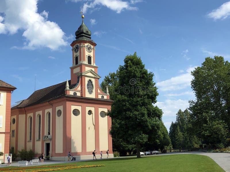 St Marien de la iglesia del castillo o St Marien Flower Island Mainau de Schlosskirche en el lago de Constanza o el dado Blumenin imagenes de archivo