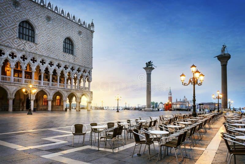 St Mark fyrkant Venedig royaltyfria bilder