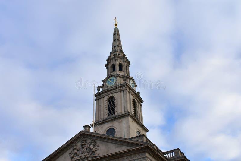 St Martin in de Gebiedenkerk van Trafalgar Square Londen, het Verenigd Koninkrijk stock fotografie