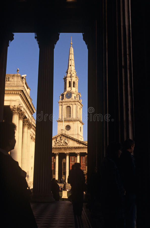 Download St Martin-in-the-Fields & The National Gallery Editorial Stock Photo - Image: 25269478
