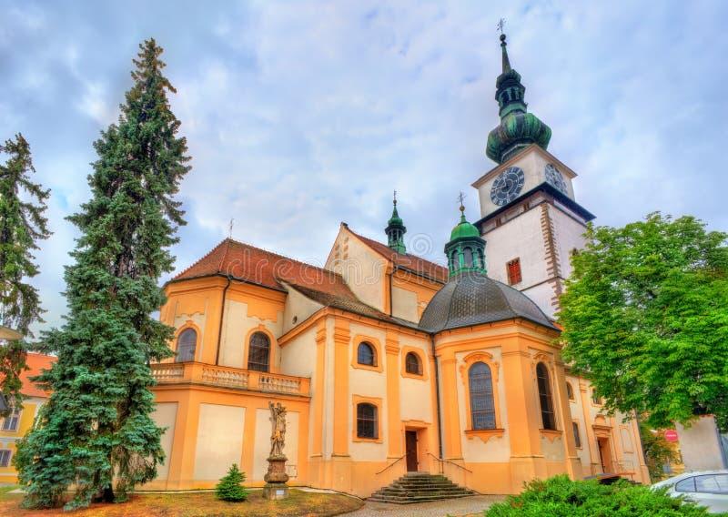St Martin kyrka i Trebic, Tjeckien arkivfoton