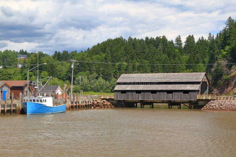 St. Martins New Brunswick Irish River 1 Abdeckungsholzbrücke stockfotografie