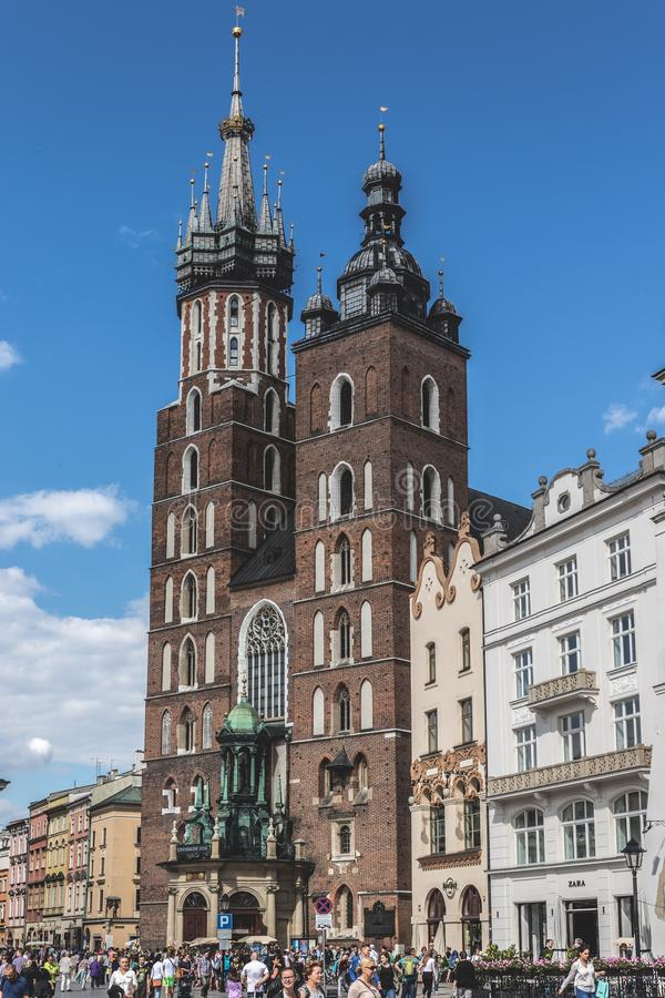 St Mary & x27; базилика s, ³ w KrakÃ, Польша стоковые изображения