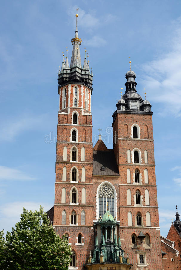 St Mary Basilika oder Mariacki-Kirche - berühmte gotische Kirche, Krakau stockbilder