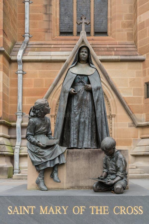 St Mary de la statue croisée, Sydney Australia images stock