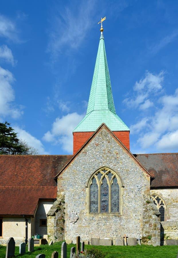St Mary & St Gabriel Church & tornspira, Harting, Sussex, UK royaltyfri foto