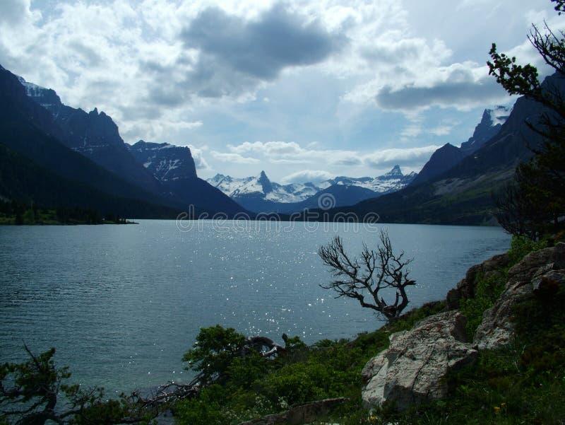 St Mary Lake, Inkomend Onweer royalty-vrije stock afbeeldingen