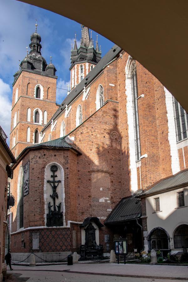 St- Mary` s Basilika in Krakau lizenzfreies stockbild