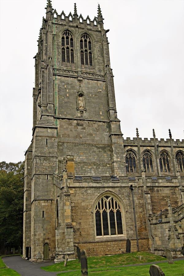 St- Mary` s Kircheneingang, Tickhill, Doncaster, South Yorkshire stockbilder