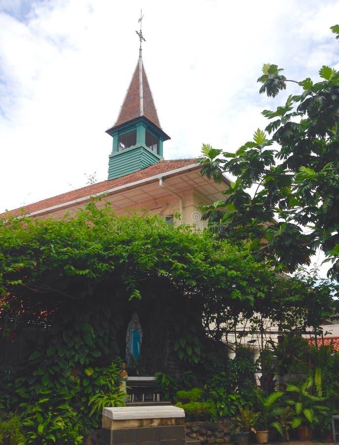 St Mary y la iglesia imagen de archivo libre de regalías