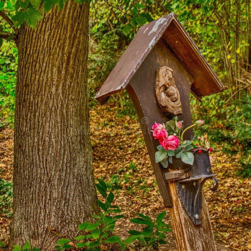 St Mary z różami zdjęcia royalty free