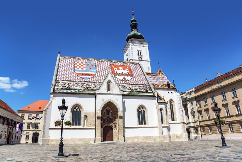 St merkt de Kerk van ` s bij St Teken` s Vierkant, Zagreb stock foto's