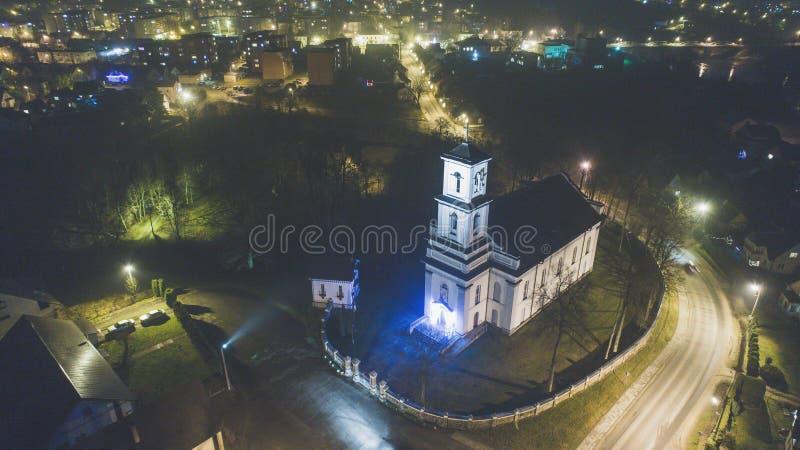 St Michael церковь Архангела в Nemencine в вечере стоковая фотография rf