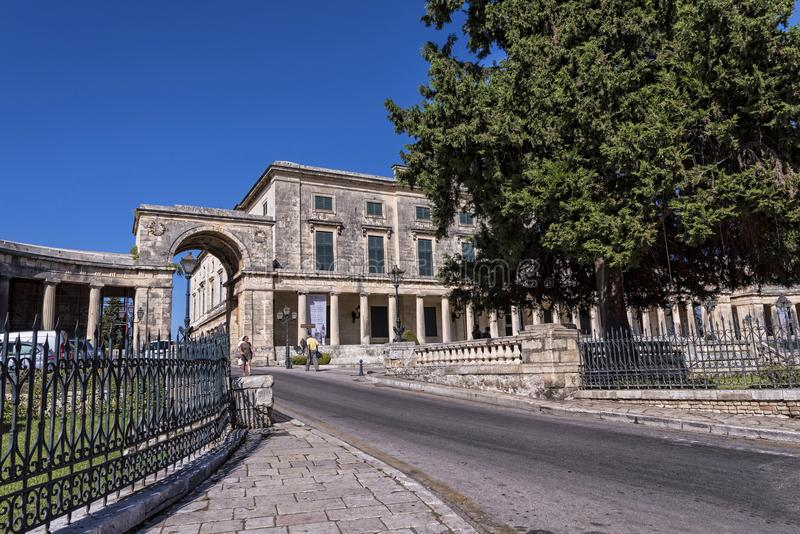 St Michael e Saint George Palace na cidade Grécia de Corfu imagem de stock