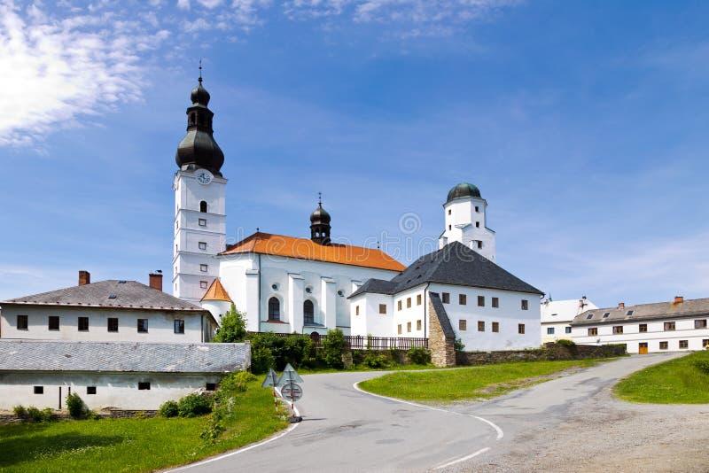St. Michael-kyrkan, staden Branna, Jeseniky-bergen, Tjeckien fotografering för bildbyråer
