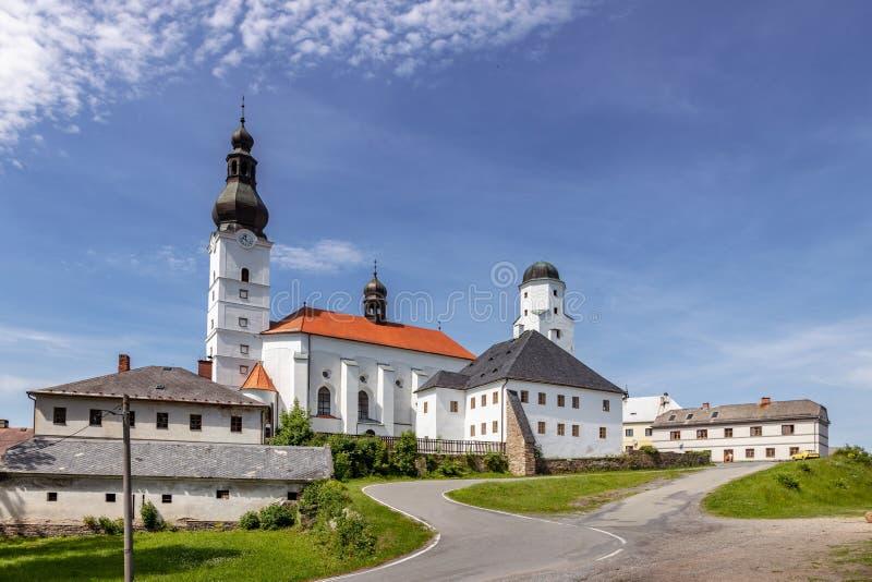 St. Michael-kyrkan, staden Branna, Jeseniky-bergen, Tjeckien arkivfoto