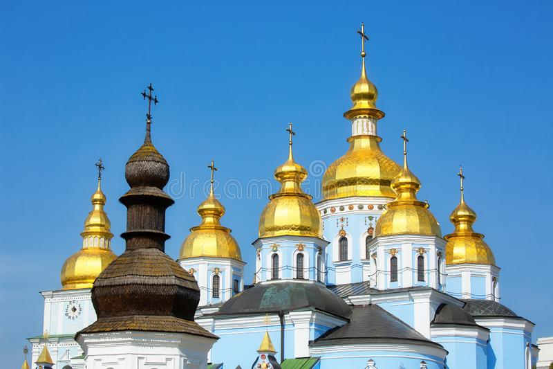 St. Michaels Golden-Domed Kloster in Kiew, Ukraine stockfotos