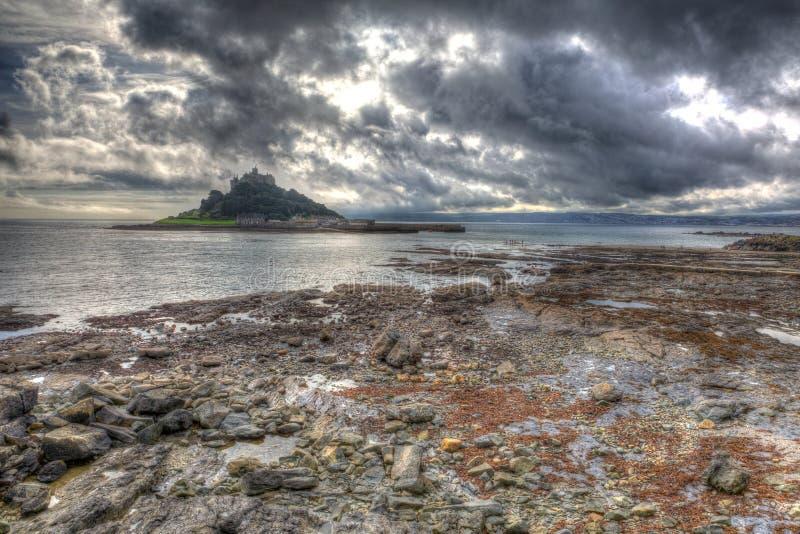 St Michaels Mount Marazion Cornwall England un giorno nuvoloso smussato fotografia stock libera da diritti