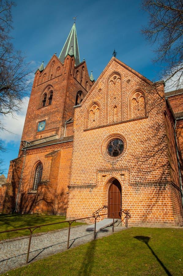 St Mikkels kerk in stadscentrum van Slagelse in Denemarken stock fotografie