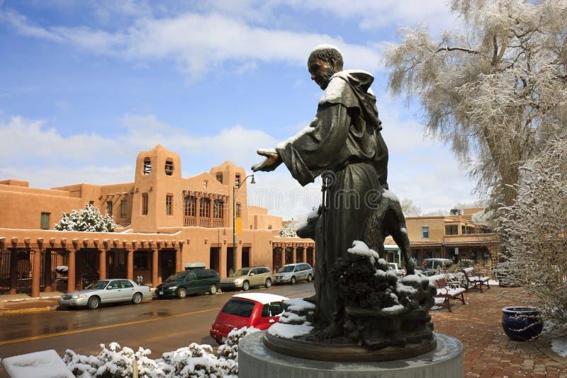 St. nevado Francis Statue Picturesque Santa Fe New México foto de archivo libre de regalías