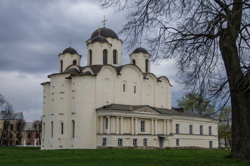St Nicholas Cathedral i Yaroslavs borggård (domstol) i Velik royaltyfri foto