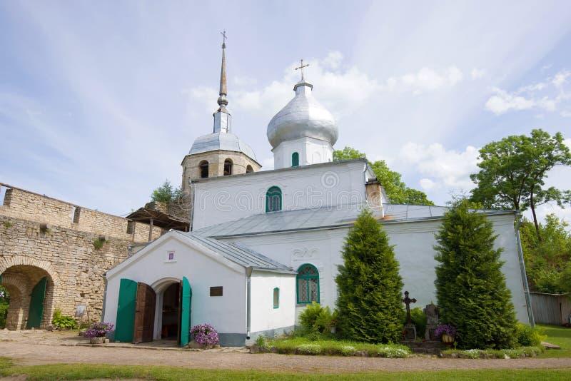 St Nicholas Cathedral na fortaleza de Porkhov Região de Pskov, Rússia imagens de stock
